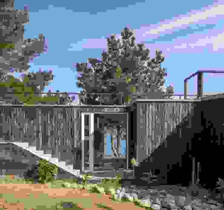 Crescente Böhme Arquitectos 木屋 木頭 Black
