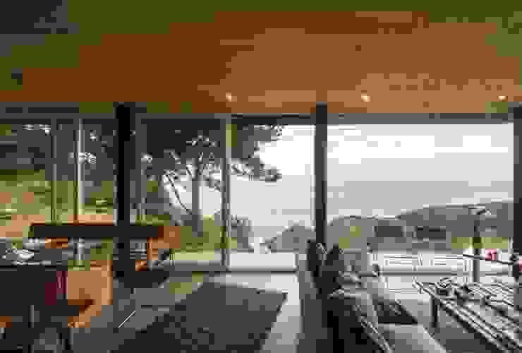 Living room by Crescente Böhme Arquitectos, Modern Wood Wood effect