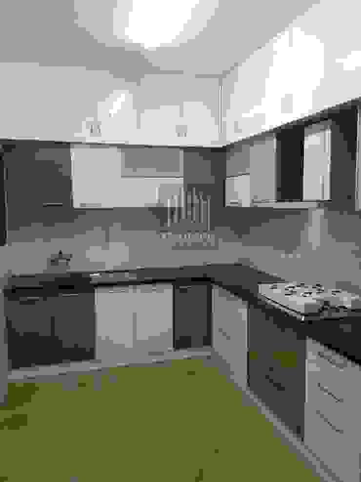 Kitchen cabinates: modern  by TRIUMPH INTERIORS, Modern