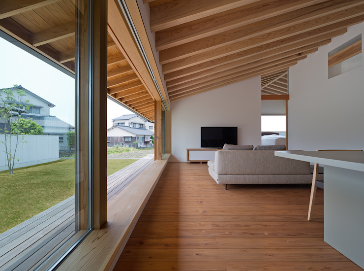 Modern living room by ヨシタケ ケンジ建築事務所 Modern