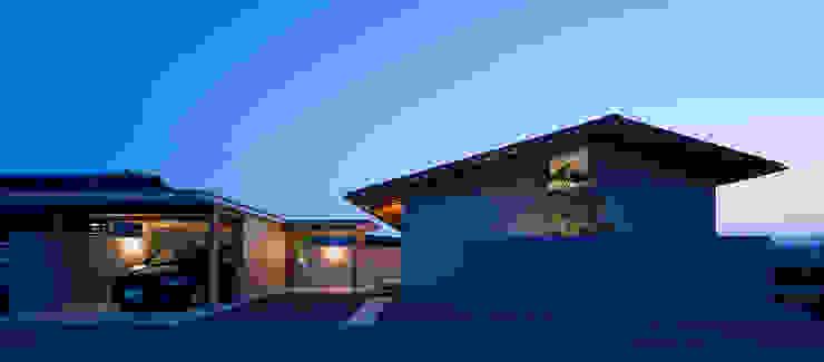Modern houses by ヨシタケ ケンジ建築事務所 Modern