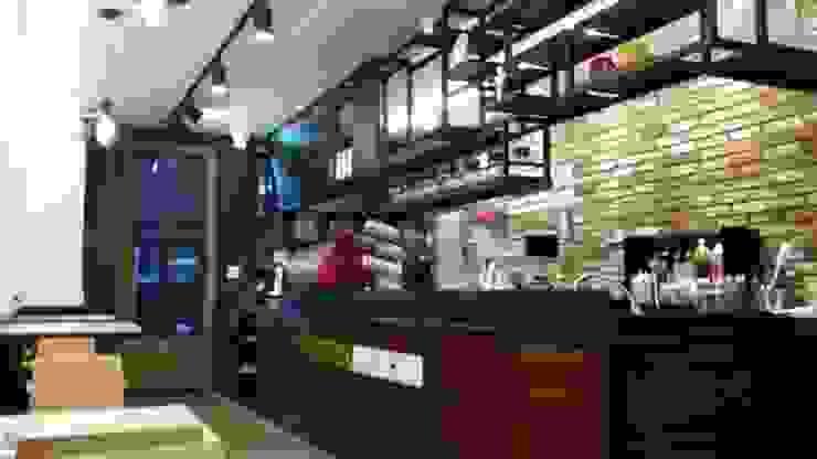 카페 작업대: 디자인브라더스의 현대 ,모던 철 / 철강