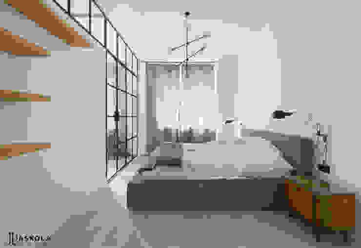 ogromne łóżko i ażurowa ściana Eklektyczna sypialnia od JJJASKOLA ARCHITEKCI Eklektyczny