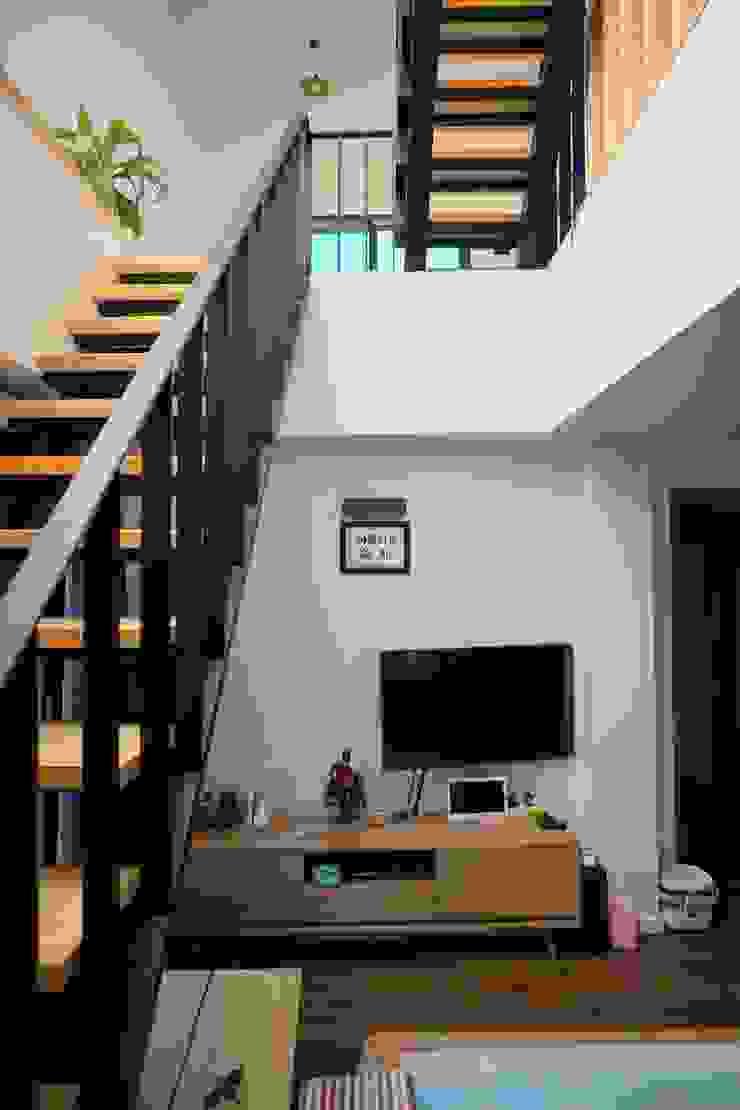 1-2층 계단 by 건축그룹 [tam] 모던 금속