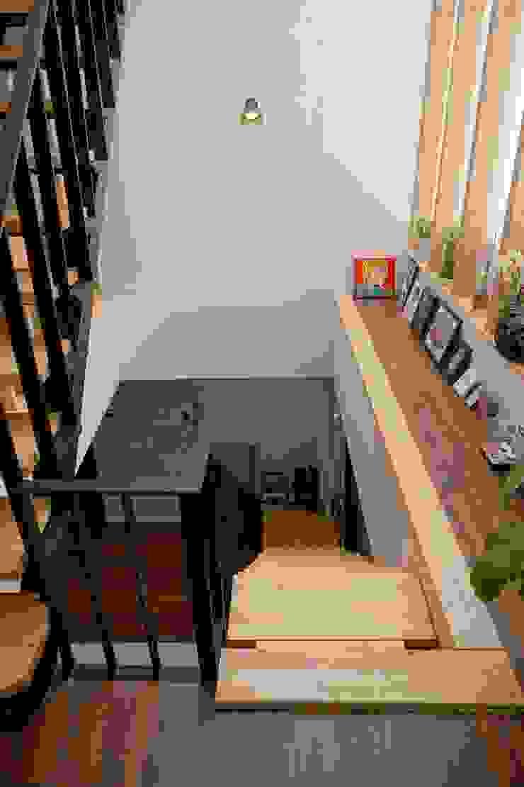 2-1층 계단 by 건축그룹 [tam] 모던 금속