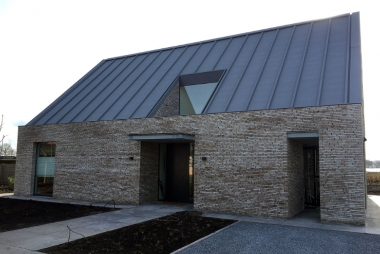 villa Strijbosch, Udenhout: modern  door van den hout & kolen architecten, Modern