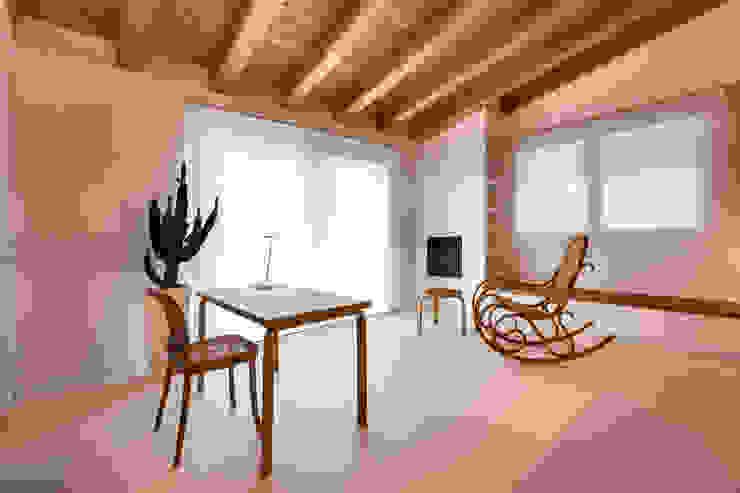 Casa GB Studio moderno di Elia Falaschi Fotografo Moderno
