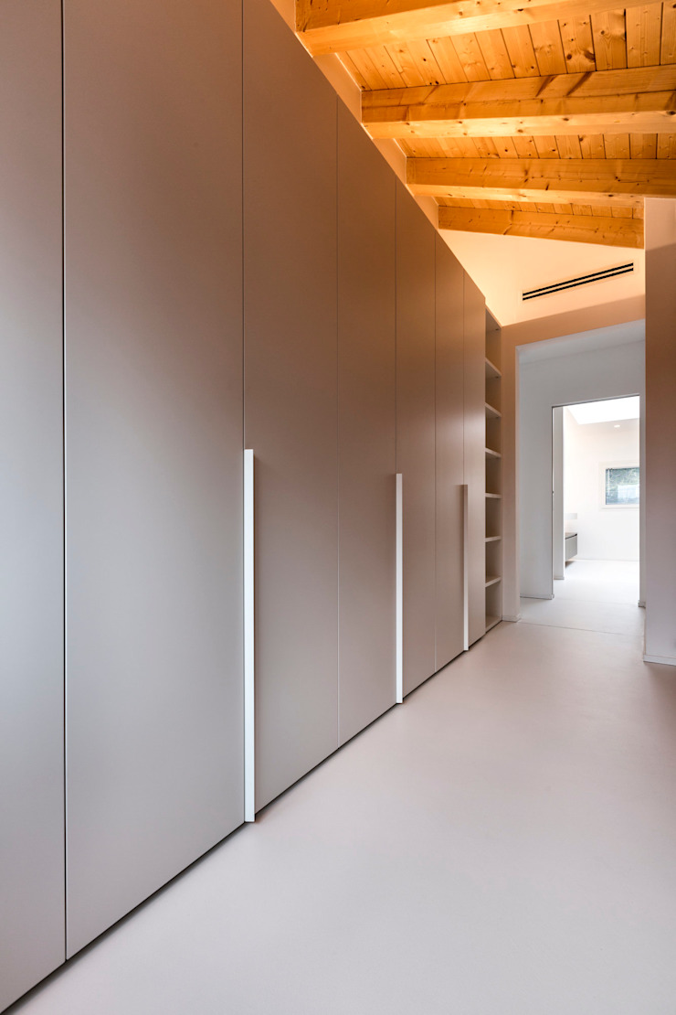 Casa GB Spogliatoio moderno di Elia Falaschi Fotografo Moderno
