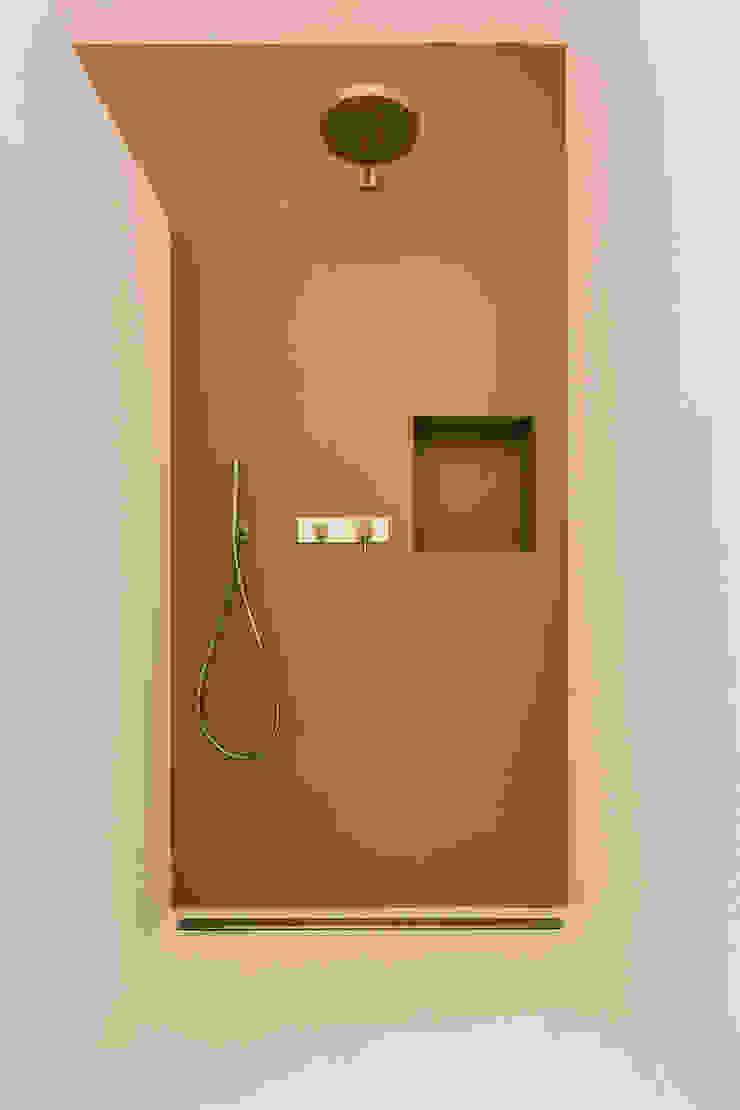 Casa GB Bagno moderno di Elia Falaschi Fotografo Moderno