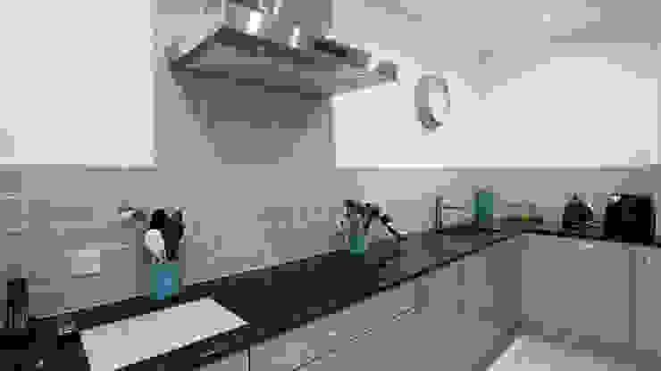 Cooking area. Modern Kitchen by Cleveland Kitchens Modern