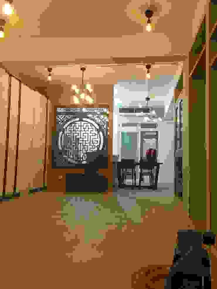 新店 現代風玄關、走廊與階梯 根據 Joy Full Interior Designer 佐輔室內裝修 現代風