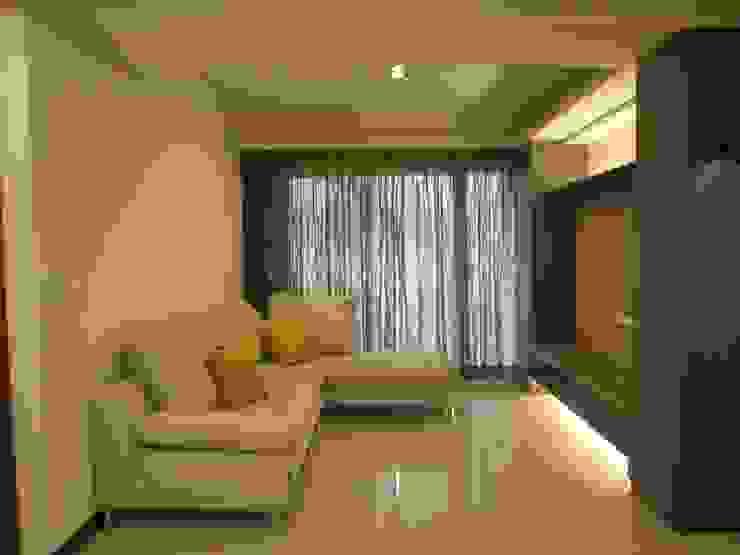 Livings de estilo moderno de Joy Full Interior Designer 佐輔室內裝修 Moderno