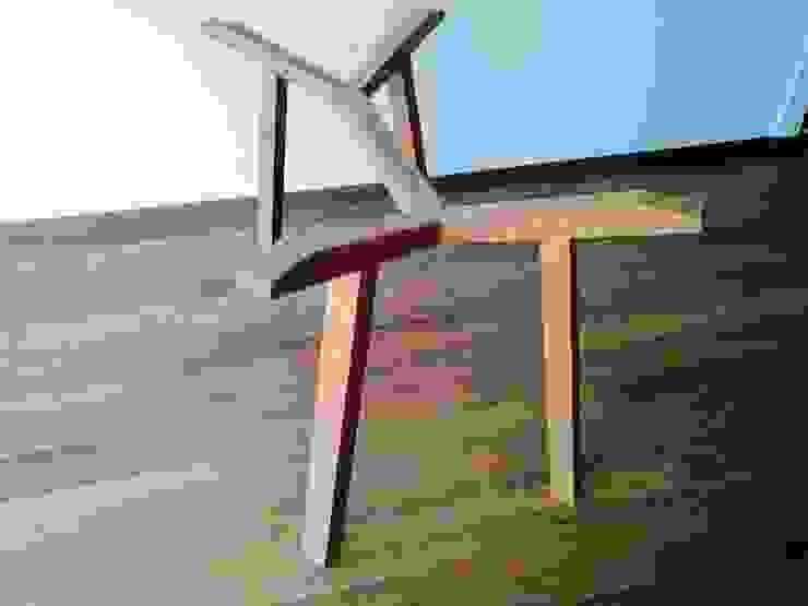 Persianas y carpintería en departamento Estilo en muebles ComedorMesas Madera maciza Acabado en madera