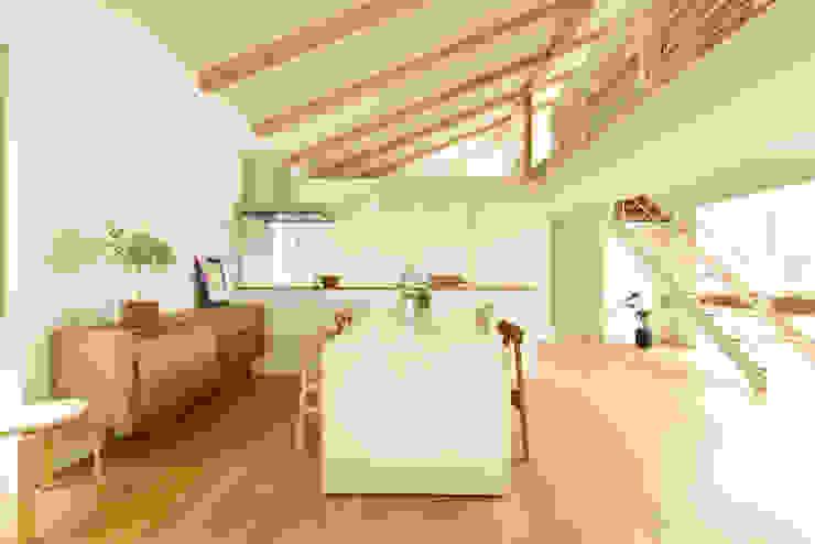 Modern dining room by タイコーアーキテクト Modern