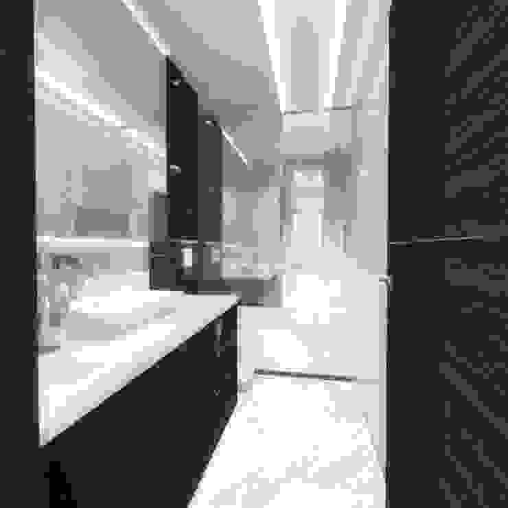Half & Half Circle Residenence Modern bathroom by TheeAe Architects Modern