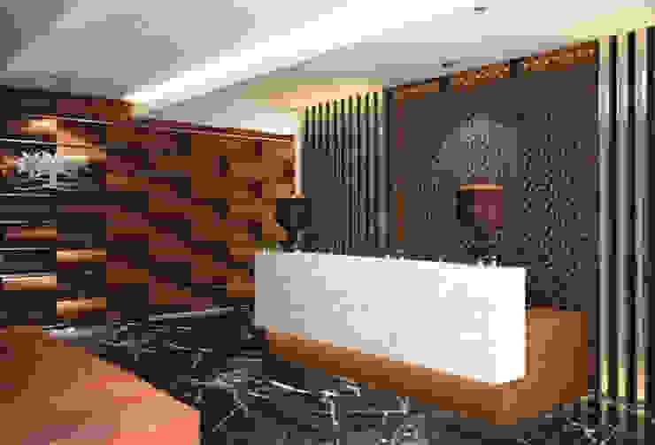Mr. Suryo Tan's Office Bangunan Kantor Modern Oleh ANJARSITEK Modern