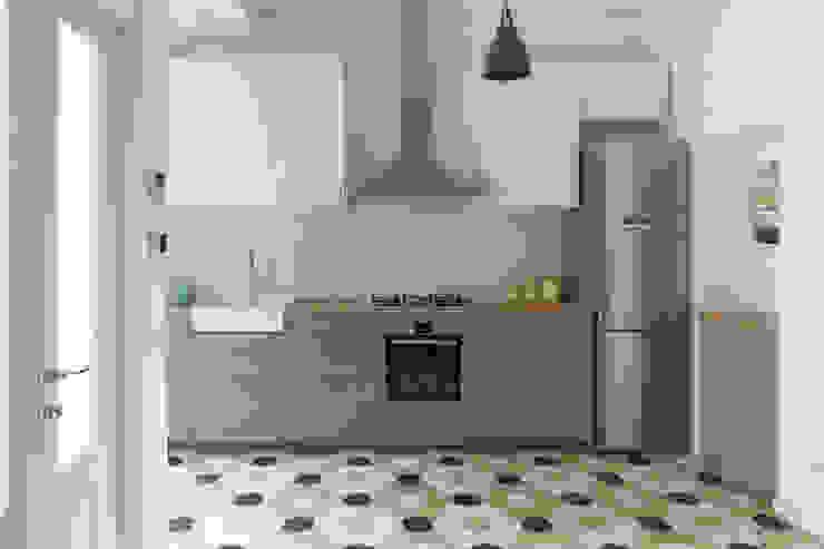 la cucina Filippo Colombetti, Architetto Cucina attrezzata Grigio