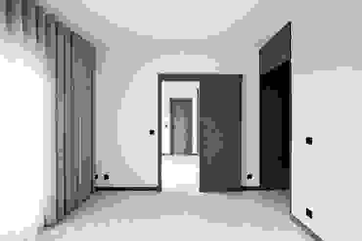 Apartamento EL.P - Remodelação A2OFFICE Quartos industriais