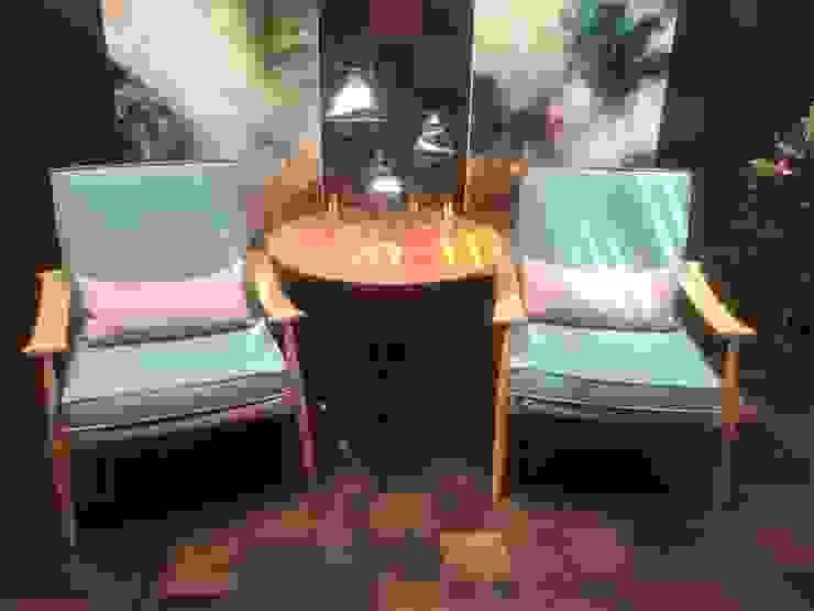 Sacada e Varanda - Resvestimento Madeira por Sgabello Interiores Moderno Madeira Efeito de madeira
