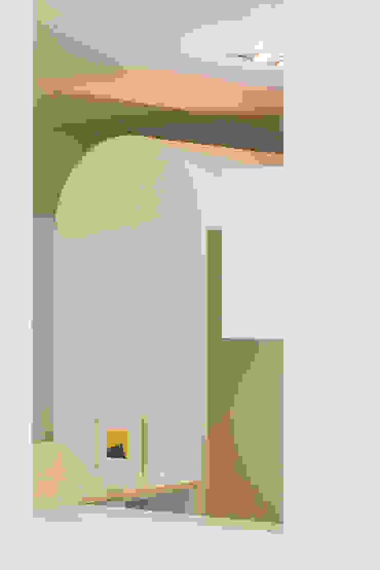 Clock Tower Square , 2017 춘천서면주택 리모델링: 건축사사무소 사무소아홉칸의 미니멀리스트 ,미니멀