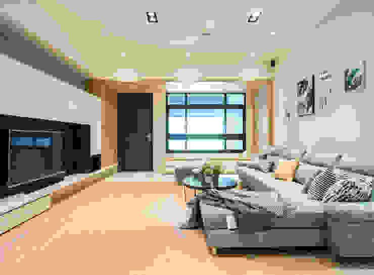 員林江公館 现代客厅設計點子、靈感 & 圖片 根據 築本國際設計有限公司 現代風