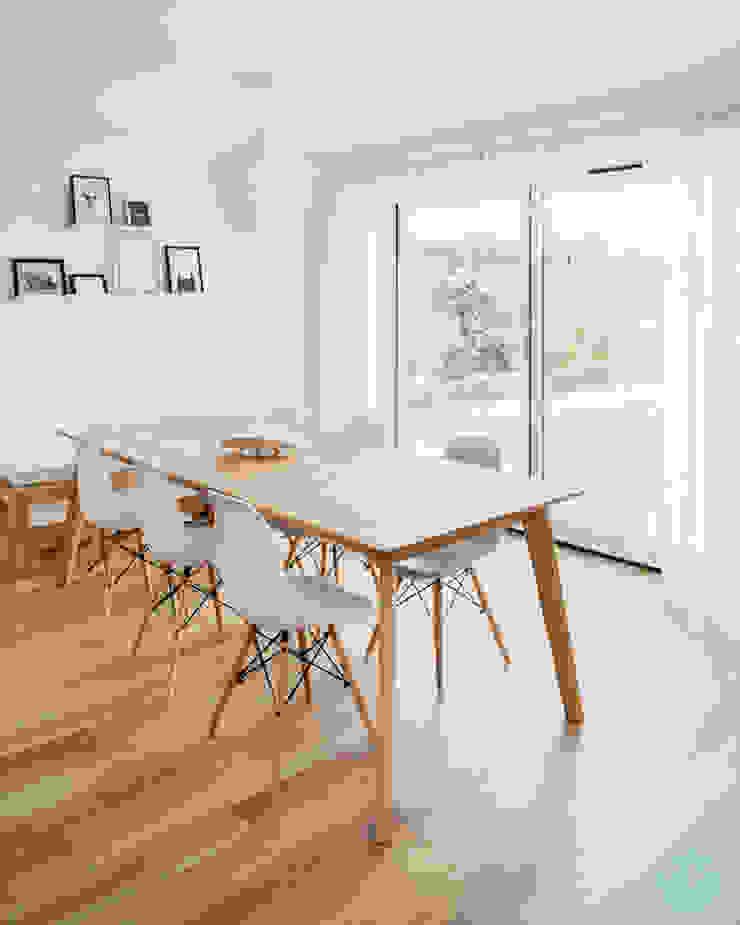 Scandinavian style dining Katie Malik Interiors Scandinavian style dining room