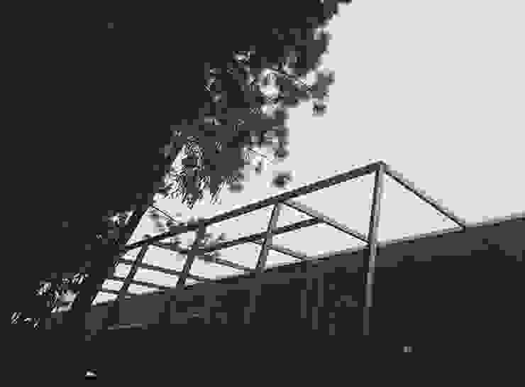 Estructuras de Acero Casas estilo moderno: ideas, arquitectura e imágenes de corner Moderno