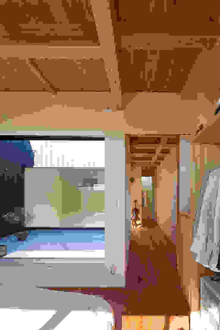 根來宏典建築研究所 ห้องนอน ไม้ Wood effect