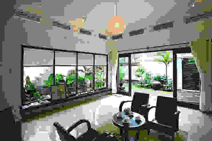 Thắm Đượm Nét Quê Trong Thiết Kế Nhà Phố 2 Tầng Ở Đà Nẵng Công ty TNHH Xây Dựng TM – DV Song Phát Phòng khách