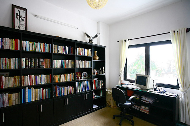 Modern Study Room and Home Office by Công ty TNHH Xây Dựng TM – DV Song Phát Modern
