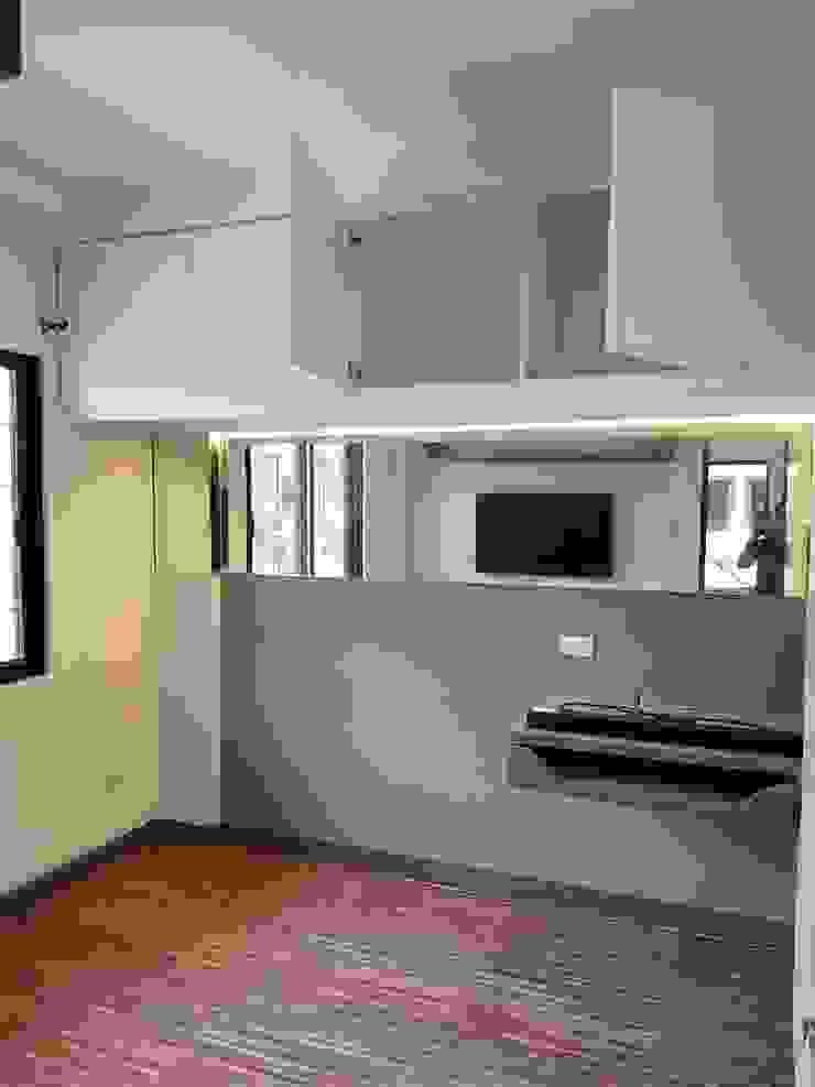 Vergara Family Residence Modern Corridor, Hallway and Staircase by Yaoto Design Studio Modern