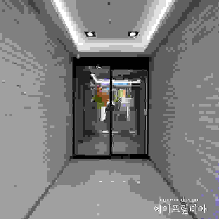 서산 서울정형외과 모던스타일 복도, 현관 & 계단 by 에이프릴디아 모던