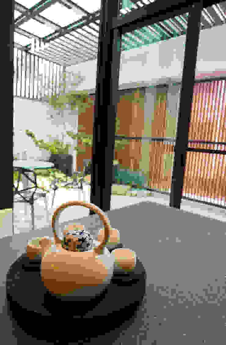 住宅設計 / 魏公館: 不拘一格  by 沐築空間設計, 隨意取材風