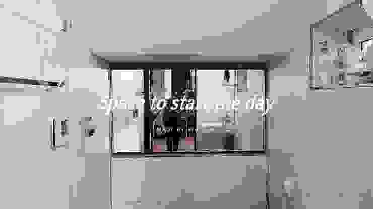 부여 석동리 전원주택 / 1F 컨트리스타일 욕실 by 에이프릴디아 컨트리