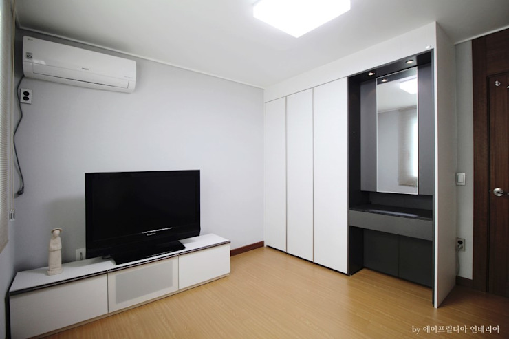 ②부여 석동리 전원주택 1F 컨트리스타일 미디어 룸 by 에이프릴디아 컨트리