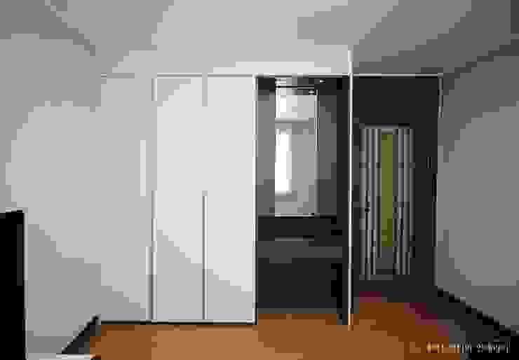 부여 석동리 전원주택 / 1F 컨트리스타일 미디어 룸 by 에이프릴디아 컨트리