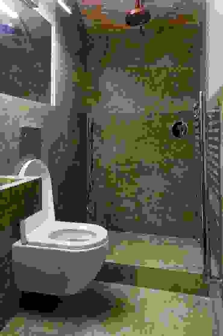 Bagno con pavimenti e rivestimenti in travertino Bagno in stile classico di Pietre di Rapolano Classico Pietra