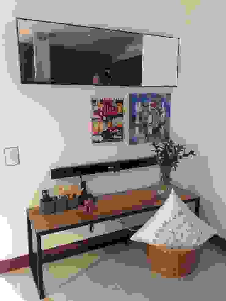Maria Mentira Studio Corridor, hallway & stairsAccessories & decoration Solid Wood Wood effect