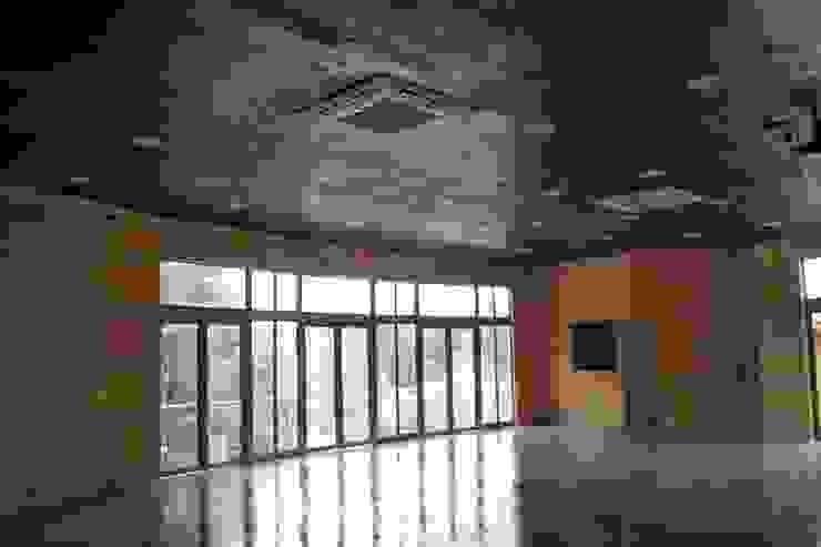 Auditorio de IDEAfactory Moderno Madera Acabado en madera