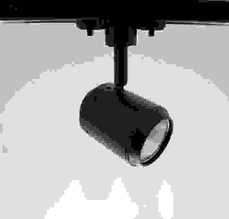 E27螺口 7W  LED  軌道投射燈: 現代  by 綋宜實業有限公司, 現代風 金屬