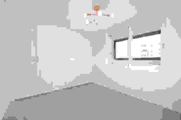 41평 신정현대5차 모던스타일 미디어 룸 by 이즈홈 모던