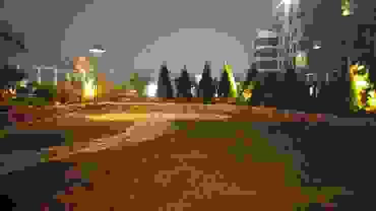 Vườn phong cách chiết trung bởi (주)더숲 Chiết trung