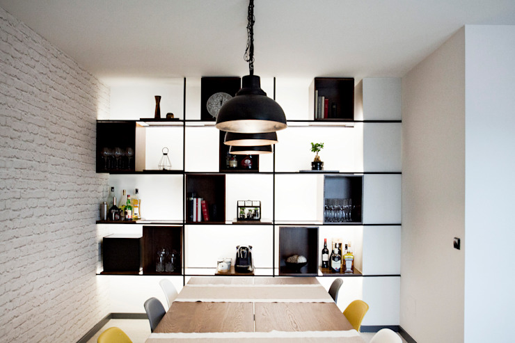 Apartamento EL.P - Remodelação A2OFFICE Sala de jantarBuffets e aparadores