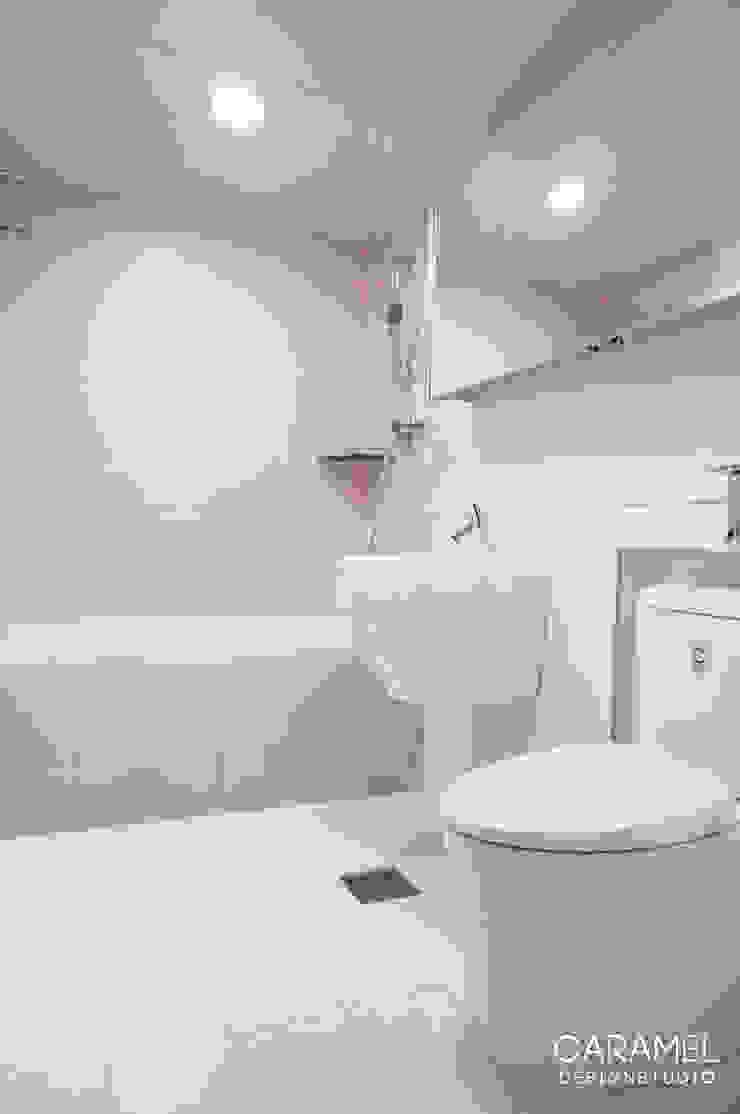 욕실 모던스타일 욕실 by 카라멜 디자인 스튜디오 모던 타일