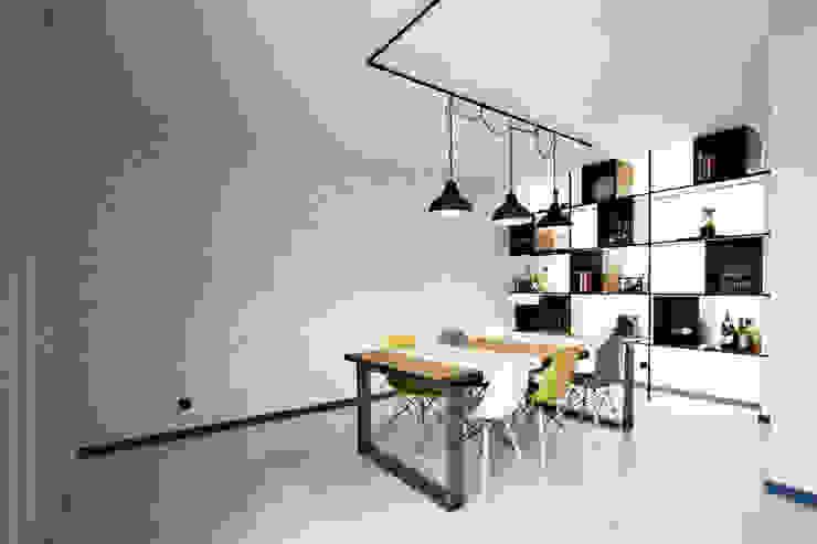 Apartamento EL.P - Remodelação A2OFFICE Salas de jantar industriais