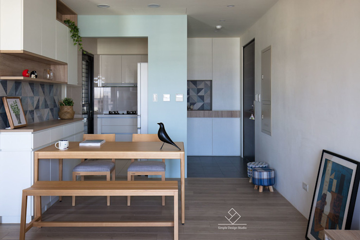 玄關設計 斯堪的納維亞風格的走廊,走廊和樓梯 根據 極簡室內設計 Simple Design Studio 北歐風