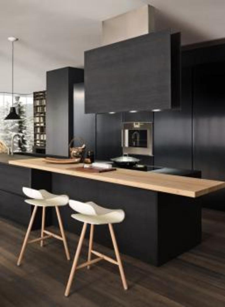 Felipe Lara & Cía Built-in kitchens Wood Black