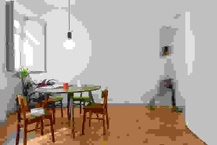 Phòng ăn by arriba architects