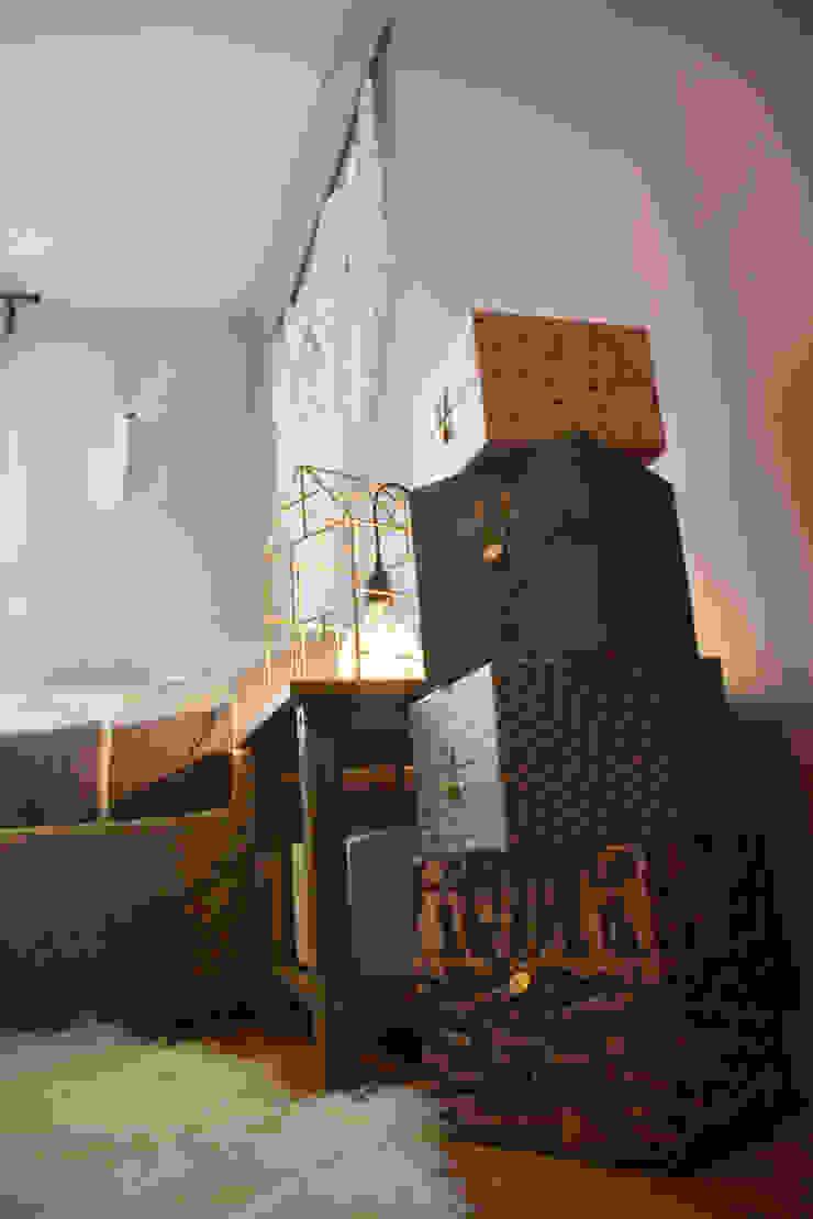 Décoration d'un appartement neuf à Lyon Chambre scandinave par Koya Architecture Intérieure Scandinave Bois Effet bois