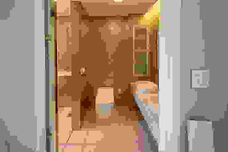 지산발트하우스 하울 모던스타일 욕실 by 인문학적인집짓기 모던
